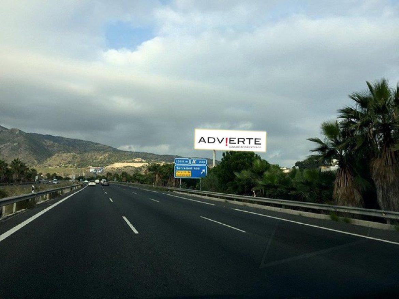Advierte actualiza información sobre sus vallas disponibles en Marbella.