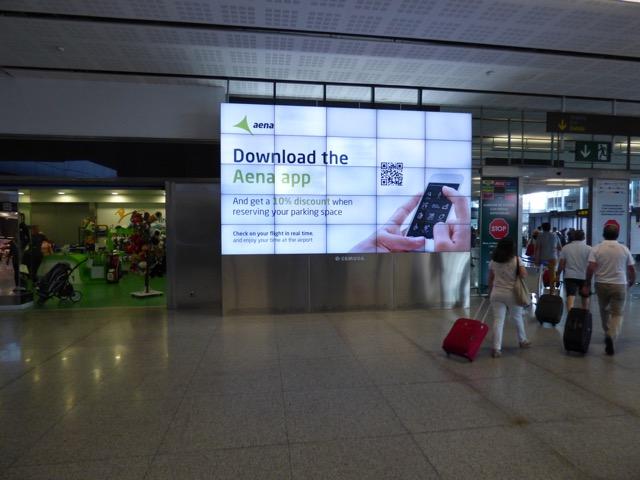 La publicidad en el Aeropuerto de Málaga con Advierte!