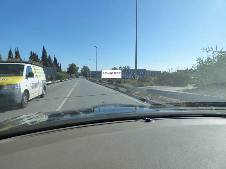 Publicidad exterior con Advierte. En Marbella, San Pedro y alrededores